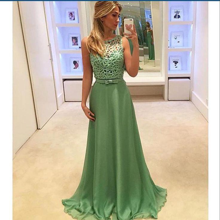 """""""Vestido Isabela Narchi via @weddingideas_brides @weddingideas_brides @weddingideas_brides @weddingideas_brides"""""""
