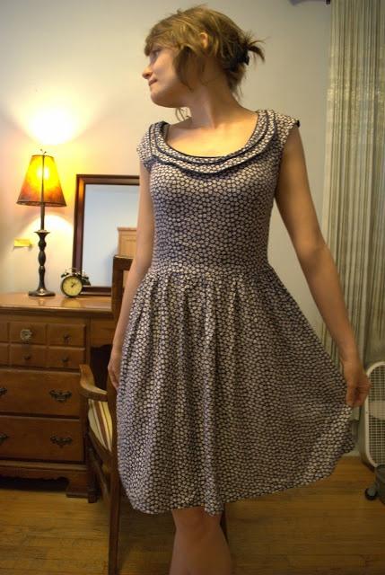 Moun [couture et péripéties]: # Robe 04 Burda février 2011 – Modèle 101