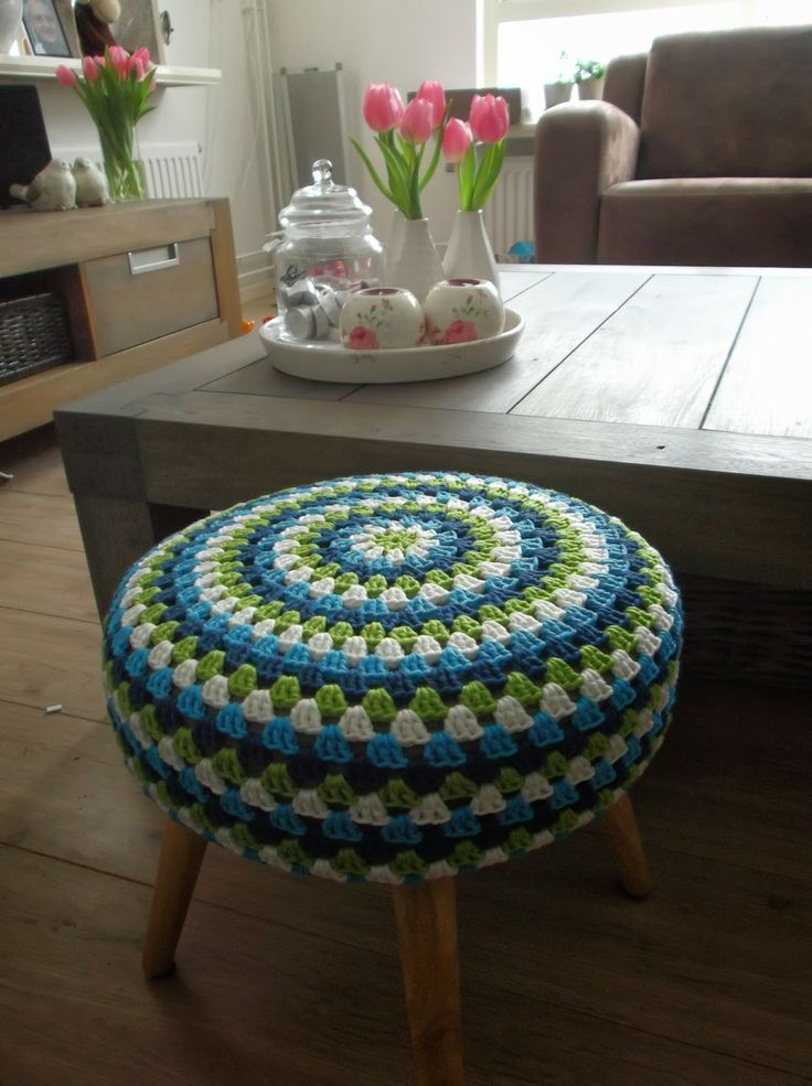 HaakYdee: Krukje omhaken / crocheted stool cover met Catania Grande
