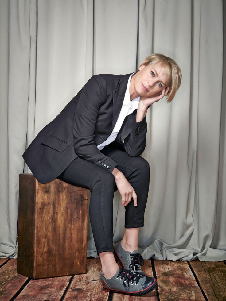 Robin Wright || Entertainment Weekly (March 25, 2016)