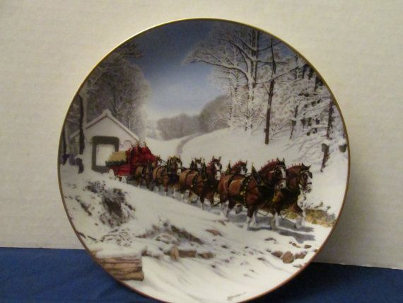 Budweiser Collectors advertising plate called Winters Day. It was made for Anheuser-Busch, Inc in the 1989. Gold edged trim, First issue of Budweiser World Famous Clydesdales Plate collection, limited edition to total of 25 firing days. Not for food use. Decorative use only.  POLICIES: PAYMENTS  Paypal or direct check-out Order is shipped once payment has been received.  PROCESSING  Processing time is 1-2 days.  Every item is wrapped with great care with multiple layers of bubble wrap and…
