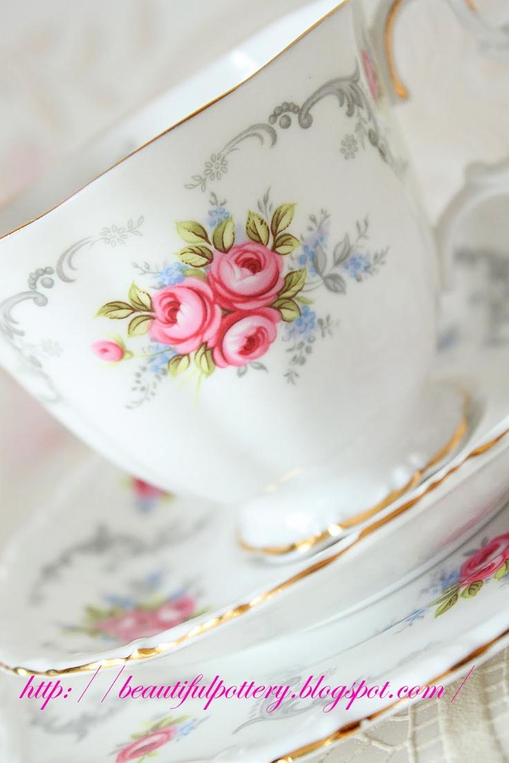 BEAUTIFUL POTTERY: Royal Albert Tea Service