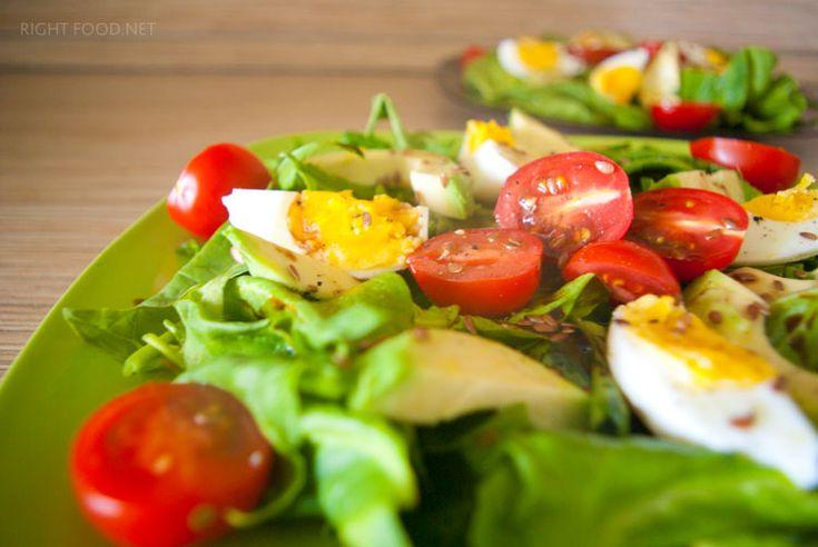 Салат с авокадо, с помидорами Черри и со шпинатом | Правильная Еда