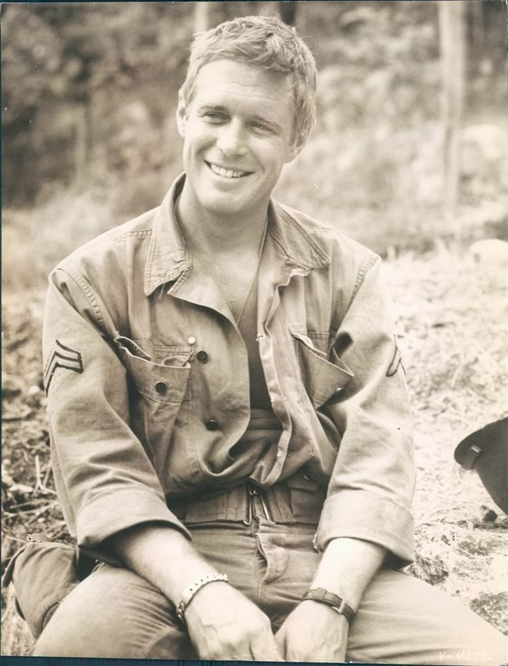 George Peppard-if he had looked like this in Breakfast At Tiffany's I'm not sure I would have been able to handle the hotness