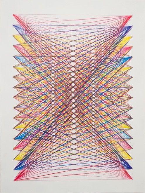 Une toile, du fil de couleur et des pointes. Rien que ça mon pote.