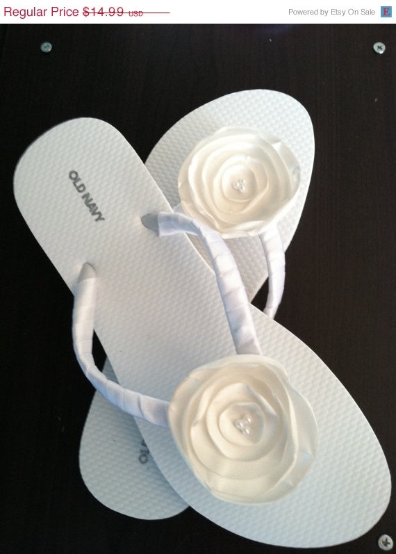 ON SALE / ivory Bridal Flip Flops / Wedding Flip by whomadethatbow, $13.49