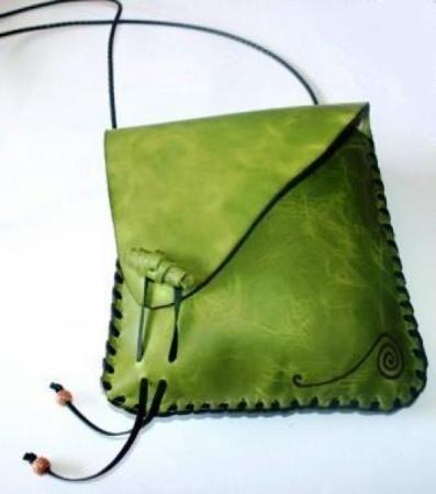 Bolso de cuero hecho a mano I like the colour