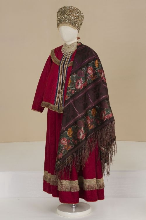 ol< Festive female costume. Late 19th century. Russians. Olonets Province.