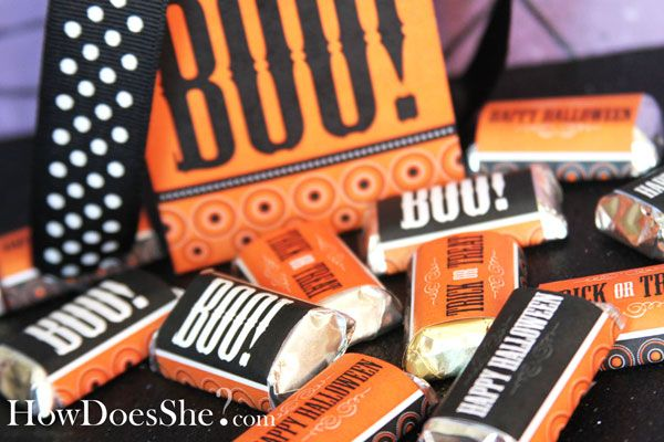 Free printable Halloween treat bags & candy wrappers available @How Does She