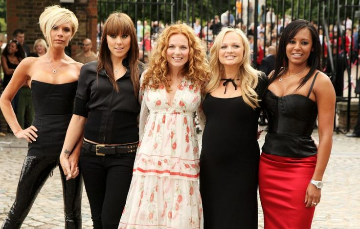 Reports today are that the  #spicegirls have ALL agreed on a full reunion 👍