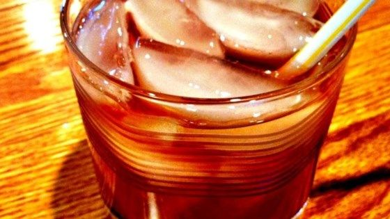This cocktail is considered the sweeter cousin of the Long Island ice tea. Like that drink, the Grateful Dead cocktail packs a considerable punch!