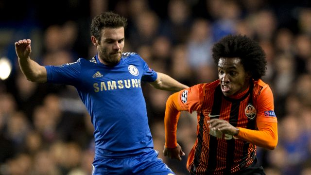 Do You Think That Losing Willian to Manchester United would be a disaster for Chelsea?   With Pedro in such good form at Chelsea Willian finds himself in a situation not dissimilar to that of Juan Mata's back in 2013-14  and yet again it could be Manchester United who take advantage.  Mata despite being a fan favourite at Stamford Bridge was ostracised by Jose Mourinho - now the Spaniard's boss at Old Trafford - and the Portuguese might this time be the benefactor of Willian's comparable…