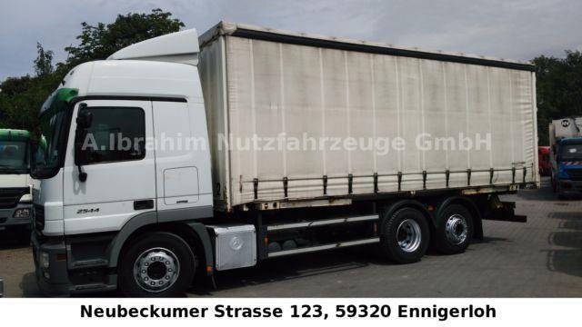 Sonstige/Other Zandt 7,45 m WB mit Schiebeplane und Edscha, LKW Pritsche/Plane in Ennigerloh, gebraucht kaufen bei AutoScout24 Trucks