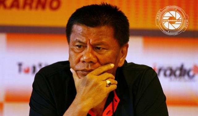 """Indikasi terancamnya nasib Benny Dollo di Sriwijaya FC makin menguat sesudah sang pelatih tidak berhasil mengambil Laskar Wong Kito lolos dari babak penyisihan kelompok kontes Piala Jenderal Sudirman 2015. Manajemen Sriwijaya FC serta dapat mengevaluasi kinerja eks pelatih Timnas Indonesia itu. Apakah Benny Dollo dapat dipecat? """"Semuanya ya kita evaluasi. Bahkan deretan pelatih pula bakal"""