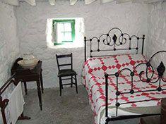 Traditional irish cottage bedroom irish decor for Celtic bedroom ideas
