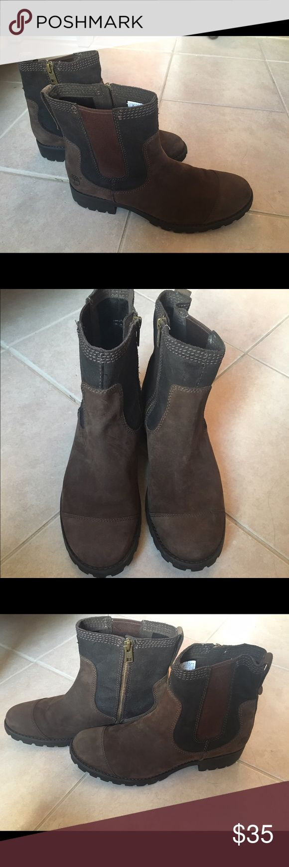 Timberland women's femme atrus chelsea Boot Sz 9.5 Beautiful pair of boots that look amazing with jeans. Great for all occasions! Wore on a trip to New York and were put away. Size 9.5 Timberland Shoes Ankle Boots & Booties