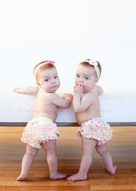 Newborn Identical Twins 235 best images about ...