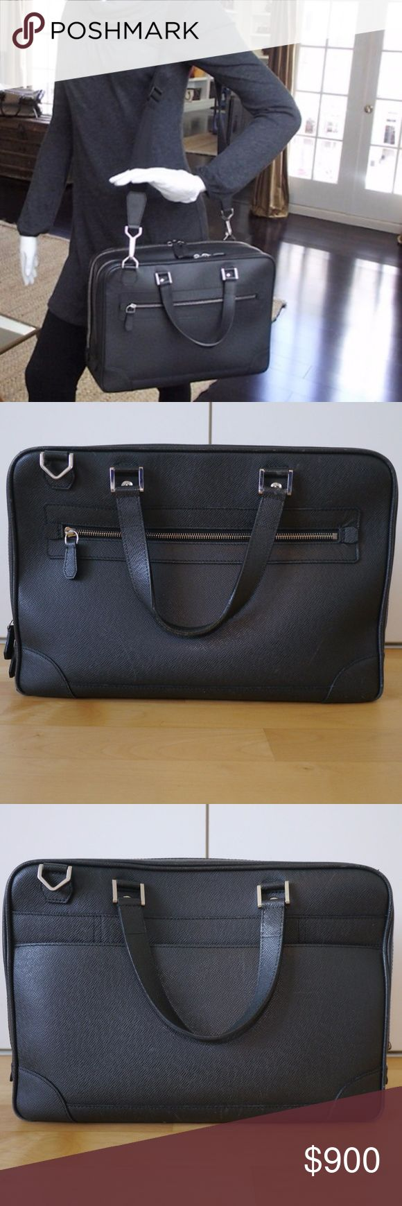 Authentic Louis Vuitton Alexander Briefcase M31162 100% Authentic Real Genuine LV Louis Vuitton  Briefcase Computer Laptop Attache Bussiness Messenger Bag  Condition: Good Used Condition (see pics, scuffs) Unisex Mens / Womens  Style M31162  Size Alexander 15.7x11.8x4.9 Color Black Ardoise (Black / Grey) Made In France Taiga Grained Leather  **Strap included but No Lock or Key,  2 scuffs on outside corners**  Features several compartments, 1 for a laptop 1 for a4 documents. Handheld or…