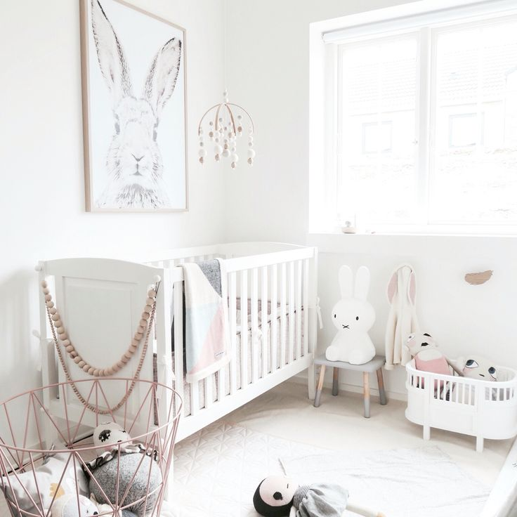 Your Little One Will Love These 8 Gender Neutral Nurseries: Best 25+ White Nursery Ideas On Pinterest