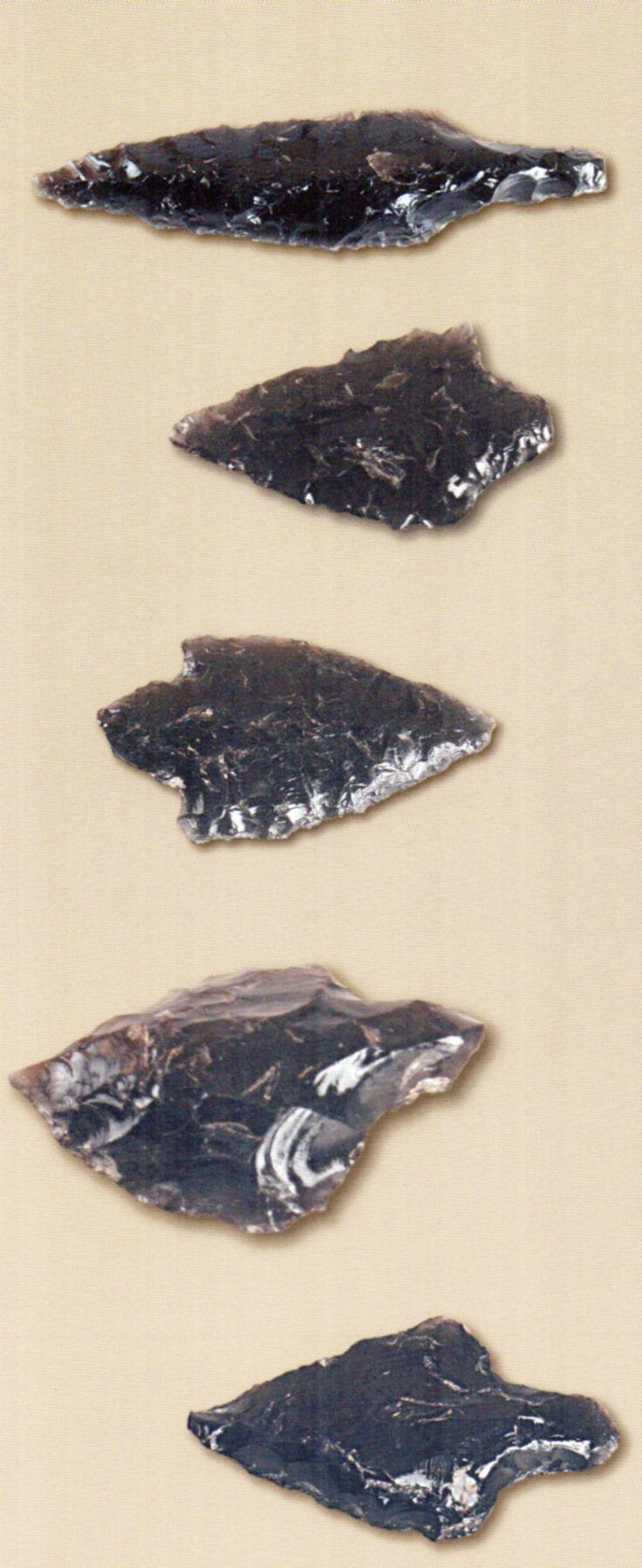Çatalhöyük,Obsidyen mızrak uçları, Konya Arkeoloji Müzesi, James Mellaart (Erdinç Bakla archive)