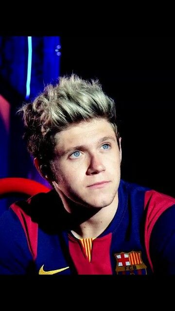 Niall and those gorgeous eyes.
