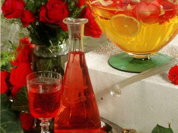 Rosenlikör ist ein Rezept mit frischen Zutaten aus der Kategorie None. Probieren Sie dieses und weitere Rezepte von EAT SMARTER!