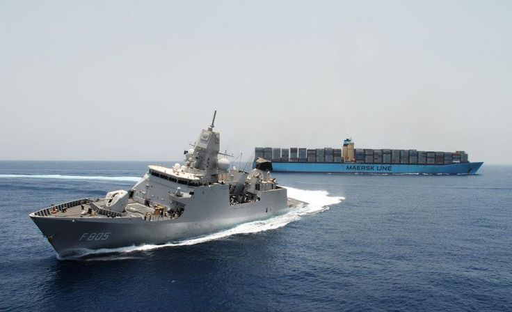 Dutch Frigate Turns away from Maersk Container Ship