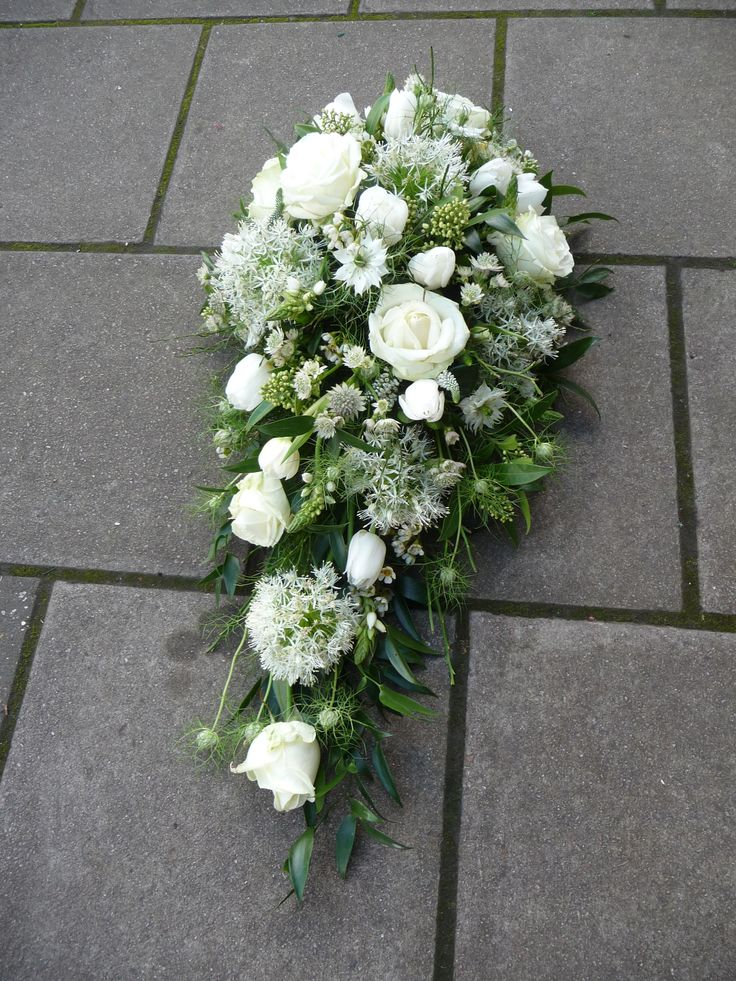 Best 25 Funeral Homes Ideas On Pinterest: Best 25+ Funeral Flowers Ideas On Pinterest