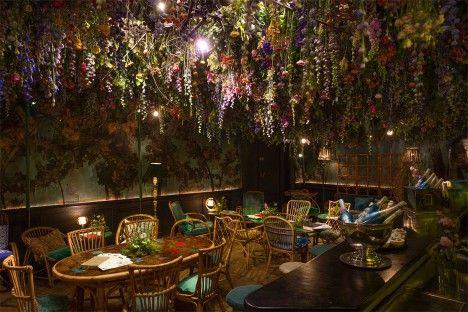 Mayfair exposición de flores Bosquejo interior del salón en Londres, Reino Unido