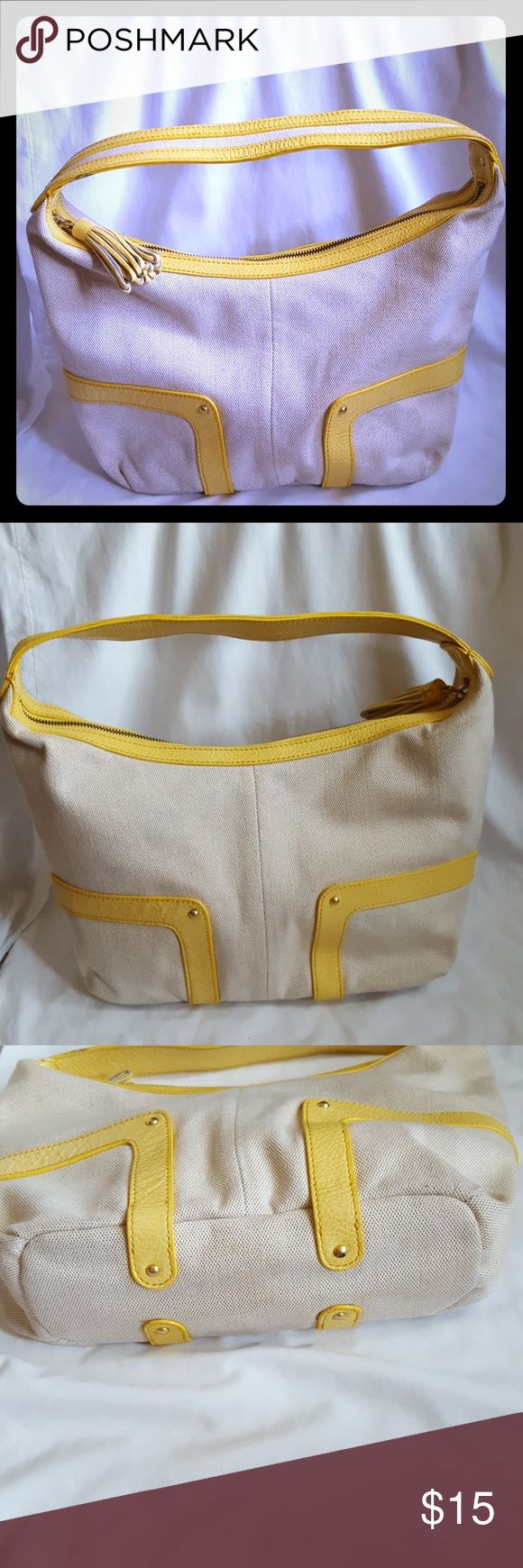 "Forth & Towne (The Gap) Canvas Bag w/ Yellow Trim Forth & Towne (a Gap company) heavy duty canvas bag with yellow trim and tassel. Bag measures 15"" wide x 9"" tall x 4"" sides at the base. Handle adds 5"" to drop. Zip top closure with 1 interior zip pocket and 2 accessory pouches.  Excellent used condition. Smoke free and pet free home. Forth & Towne Bags Hobos"