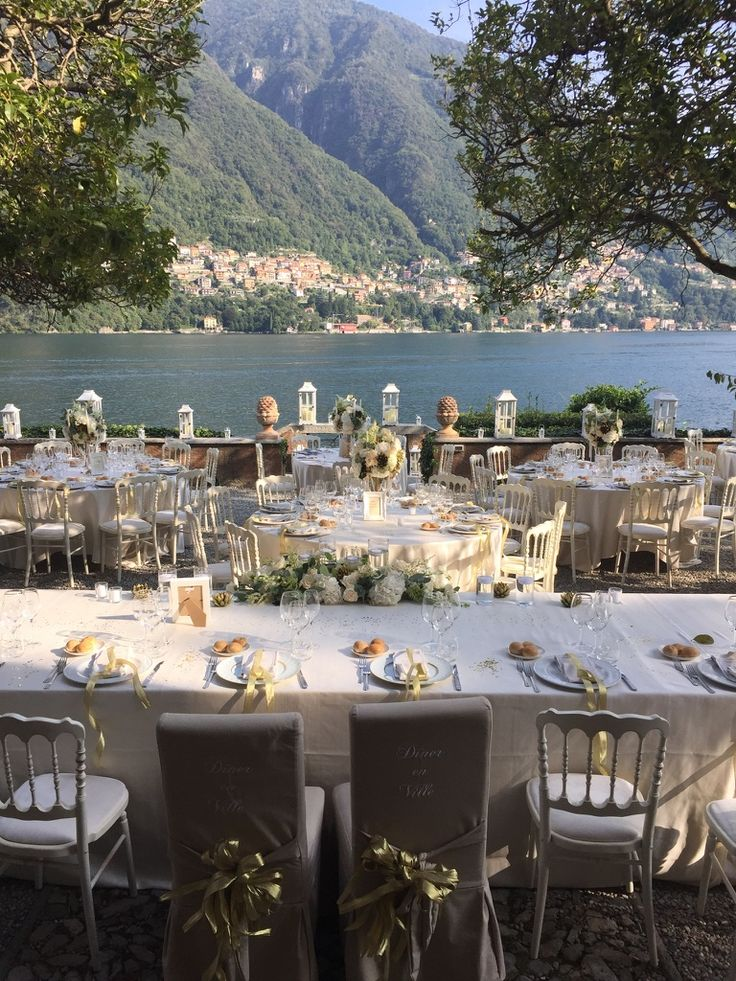 Laglio is a small village that George Clooney has brought to the attention of the whole world. In this village stands Villa Regina Teodolinda with its English lawn, lavish gardens and upstream swimming pool. The perfect location for your wedding on the shores of Lake Como!   #destinationwedding #destinationweddings #weddingday #wedding #weddingplanner #destinationweddingplanner #elenarenzi #laglio #lakecomo #italy #italia #lagodicomo #georgeclooney #elegance #refinement #romantic #beautiful
