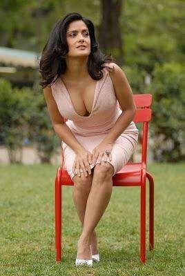 Sexy Salma Hayek Photos   Near Nude Salma Hayek Pics (Page 13)