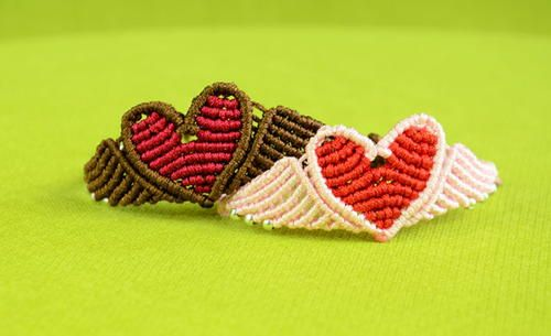 Soaring Heart DIY Macrame Bracelet | It's never to early to think about Valentine's Day! Well, even if you think it is too early good news, this macrame bracelet is adorable all year round!