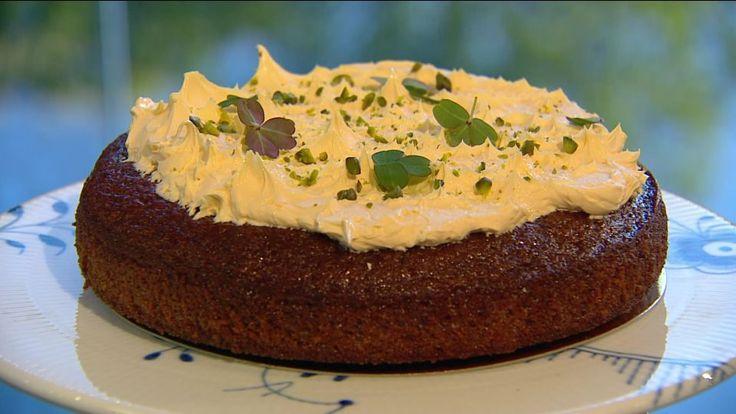 Gulerodskage med citron-smørcreme er en lækker dansk opskrift fra Go' morgen Danmark, se flere dessert og kage på mad.tv2.dk