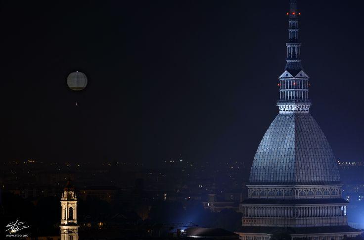 Turineye: volo in notturna. #torino #turineye #fotografandocreativamente