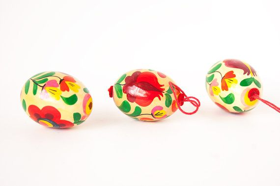 Colorful easter eggs / Vintage Easter eggs / Handpainted in Czech Republic / Mid Century Modern Easter