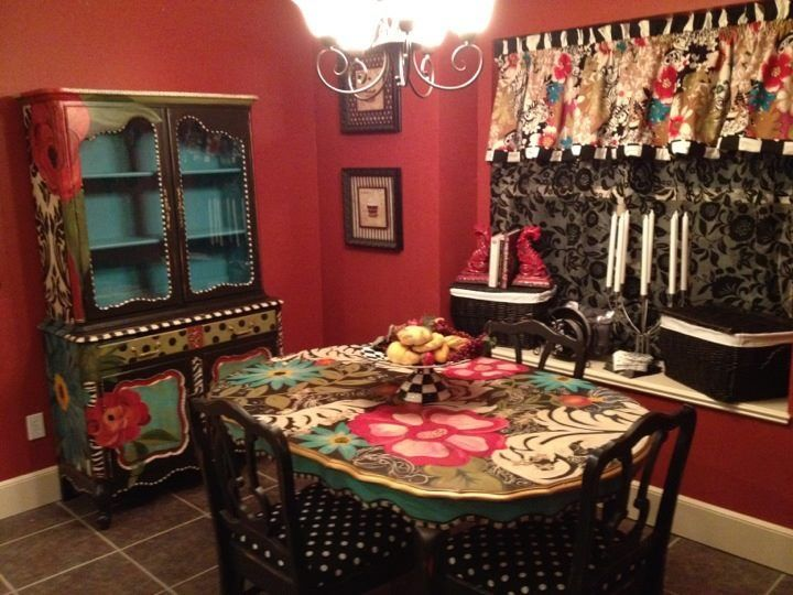 hand+painted+dining+room+table | Hand Painted hutch and