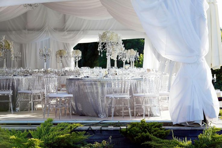 celebrity wedding by Kaffka Bucharesti & Wedding Details