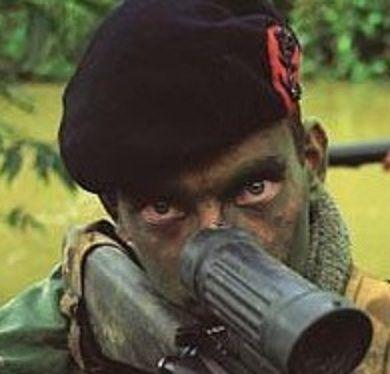 Dutch marines. Yeux injectés de sang d'un commando. Eyes injected by blood.