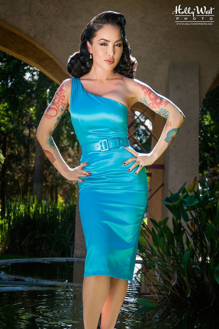 Pinup Couture - Vivien Dress in Bright Blue | Pinup Girl Clothing