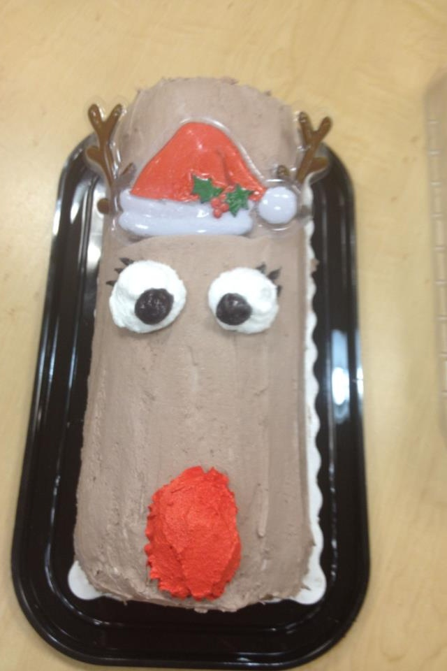 Dairy Queen Log Cake Designs : 99 best DQ Cakes images on Pinterest