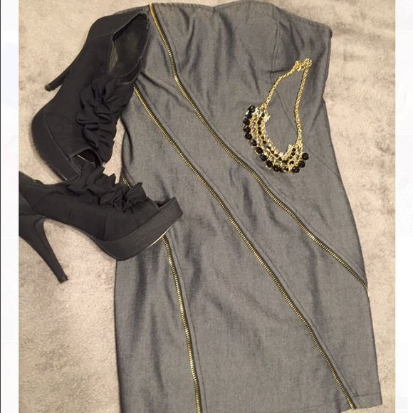Strapless grey going out dress with zipper detail Love this dress! Zipper detail going diagonally up the front and zipper in the back. Strapless and dark grey. Size small from Forever 21. In great shape. Foreign Exchange Dresses Strapless