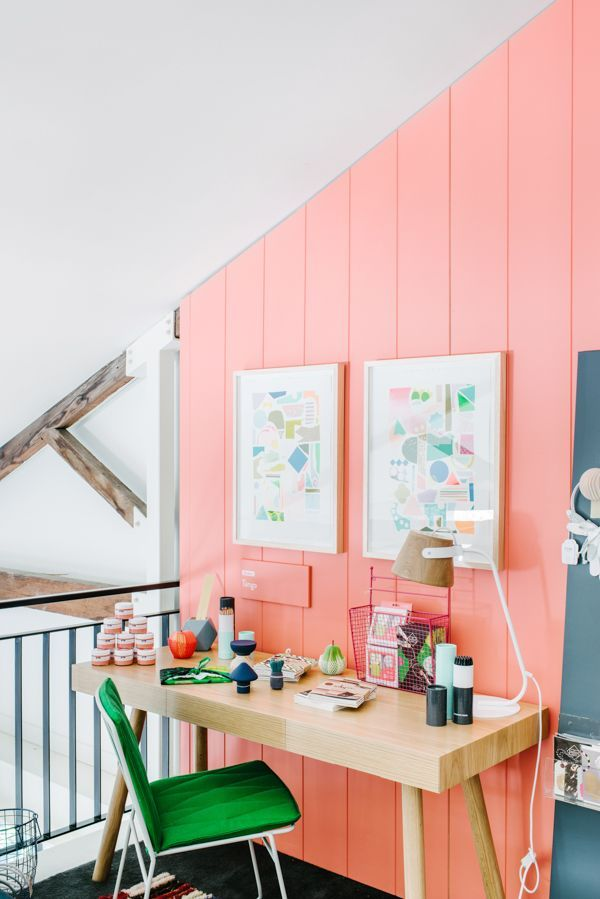 What a lovely coral wall - guaranteed inspiration! #homeoffice
