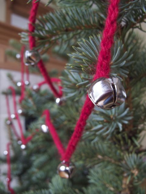 Would be fun for the kids to help make! Crocheted Jingle Bell Garland » Curbly   DIY Design Community