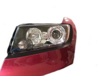 These headlight liners continue the 'blacked out' look of your 2011  Jeep Grand Cherokee across the bottom of your headlights. They will fit any Jeep Grand Cherokee 2011 . Finish is Gloss Black!!
