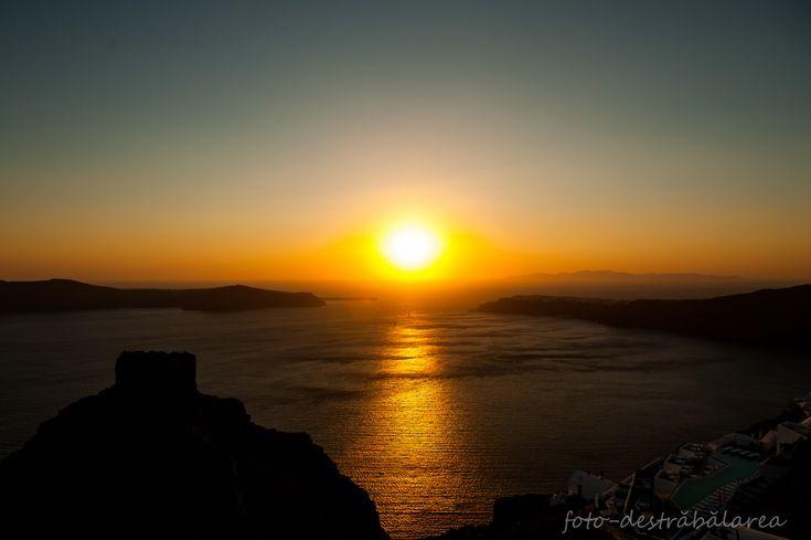 SANTORINI -SUN SET