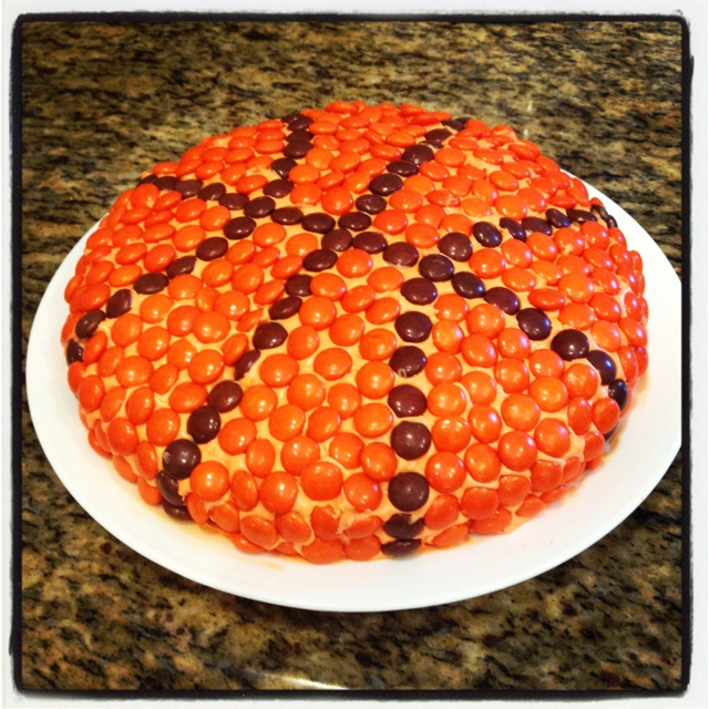 Basketball birthday cake!