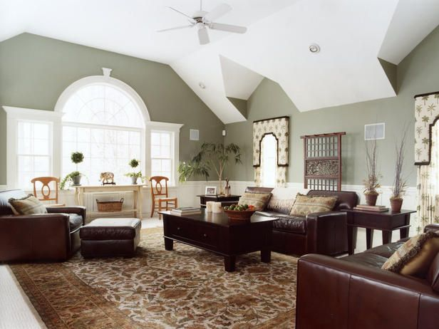Love it: Wall Colors, Living Rooms, Design Trends, Design Ideas, Brown Furniture, Green Wall, Paintings Colors, Paint Colors, Leather Furniture