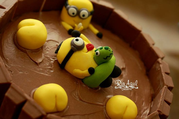 Minion Cake. I am definitely making this for Tylers bday