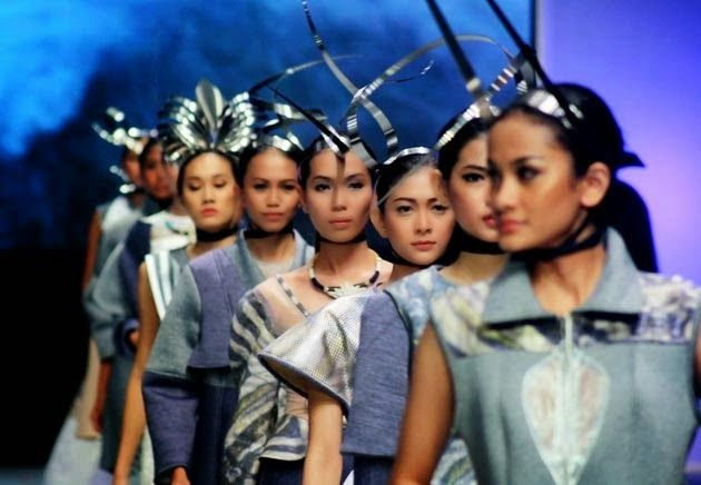 The Selfie - Tommy Satria Foto - Indonesia Fashion Week 2015